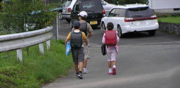 GPS発信機で子供や高齢者の居場所を管理する人が急増